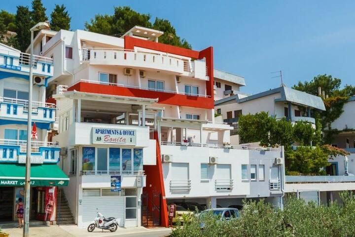 Bonita - double studio with sea view balcony