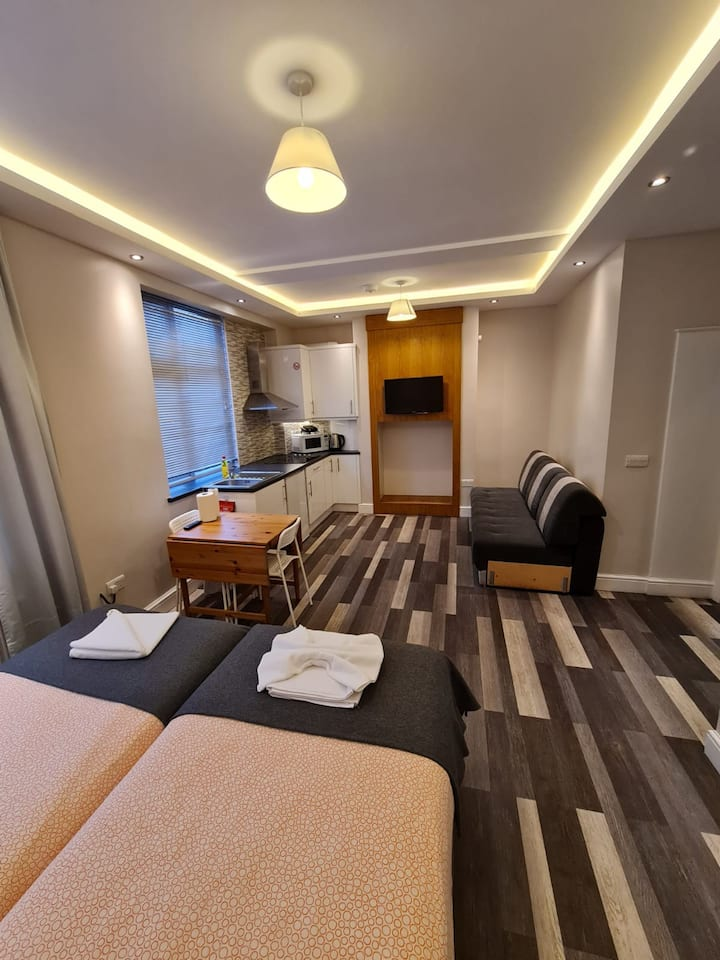 Comfortable Double Studio / At the Heart of London
