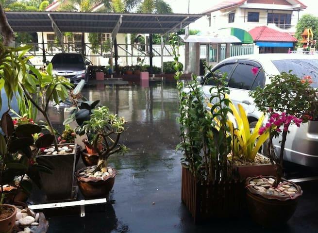 Near Suvarnabhumi Airport
