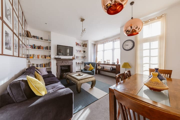luxioury large 2 double bedroom central london apt