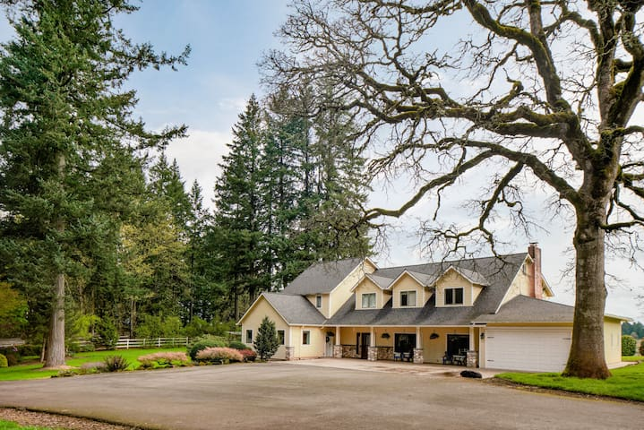 Spacious Suite on Oregon Equestrian Estate