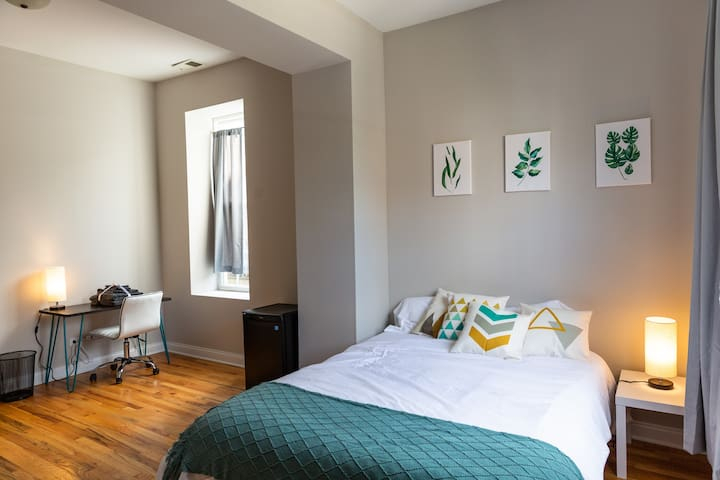 Bright and Spacious Humboldt Park Master Suite