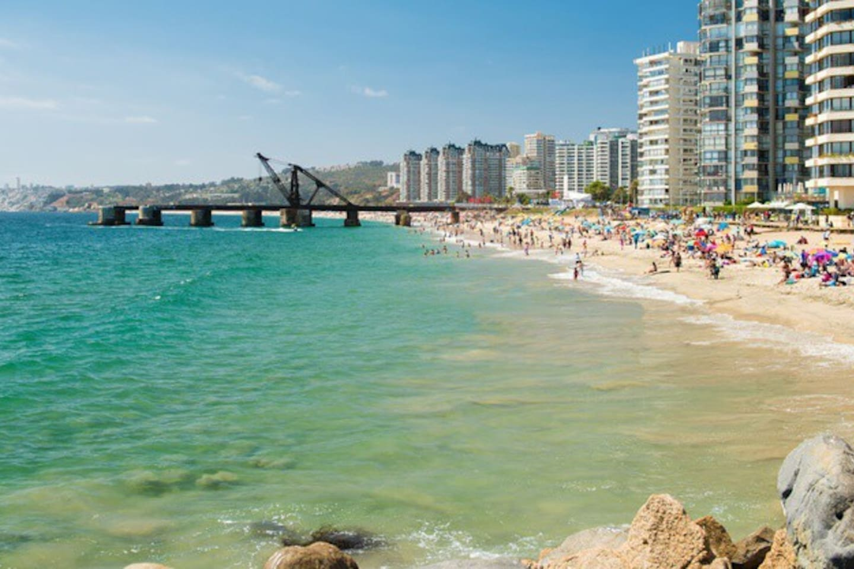 PLAYA  UNA CUADRA .. Beach  one block walking...