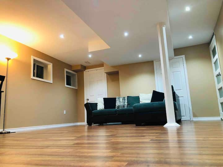 Lovely & Clean Entire Basement Suite for Your Stay