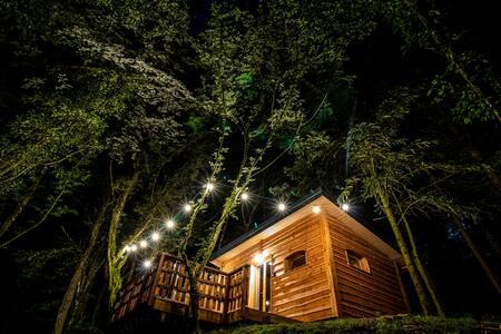 Cabane insolite avec spa privatif-Colchique