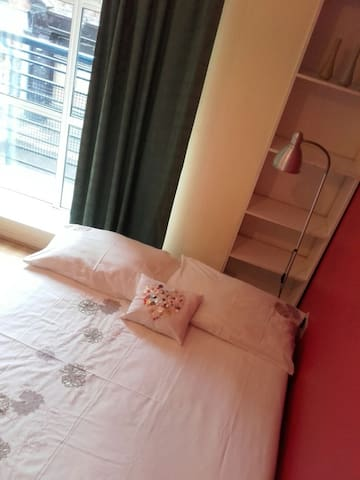 Bright comfy studio near St Patrick Cathedral - Dublin