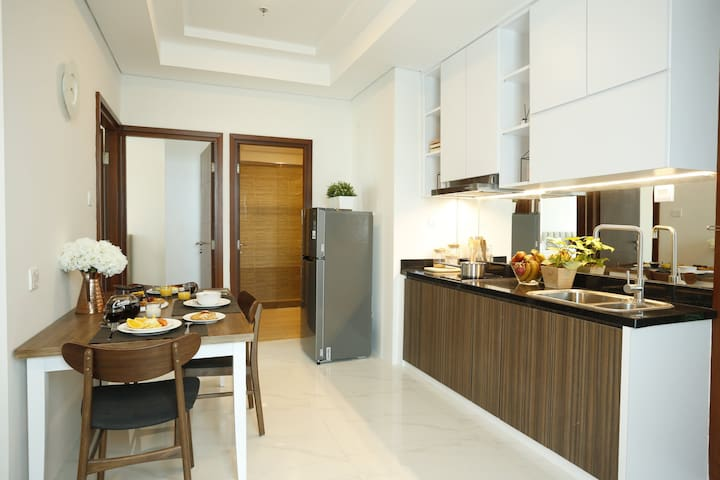 Two Bed Room Deluxe Apartment - Kitchenette