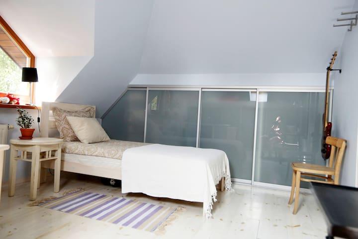 Single private bedroom.