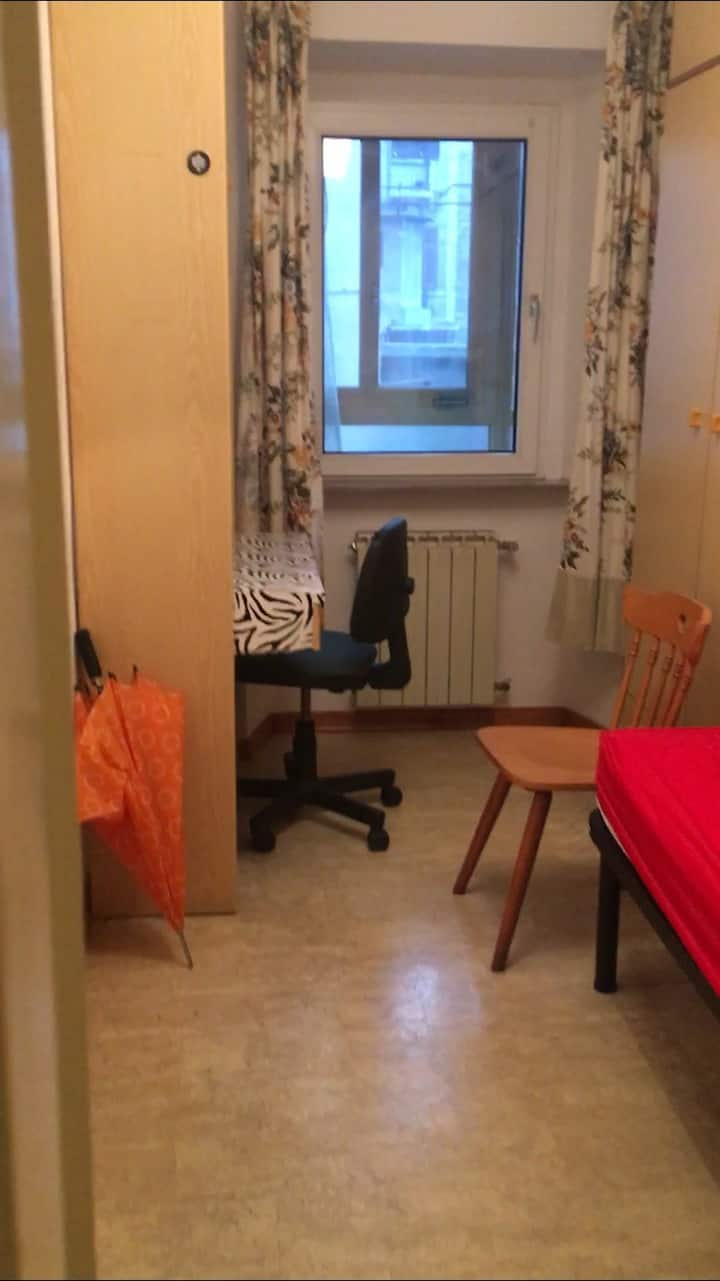 Stanza singola in pieno Centro città a Trieste