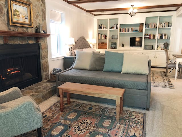 French Country Guest Suite in Greer (near GSP)