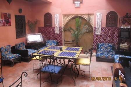 Riad Al Mida_ twin room - Marrakesh - Bed & Breakfast