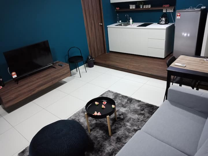 【HG Homestay】 - Mid Valley(5minDrive)Wifi Gym Pool