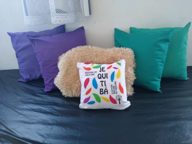 Sofá de paletes na sala