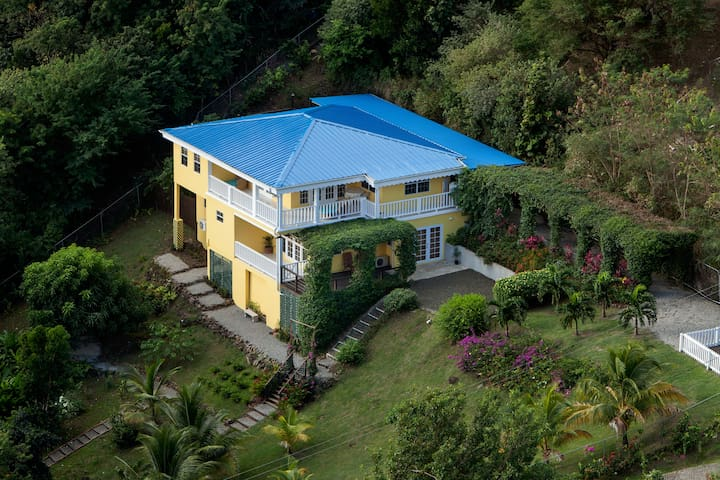 Where Country Life Meets City Fun! - Gros Islet - Hus