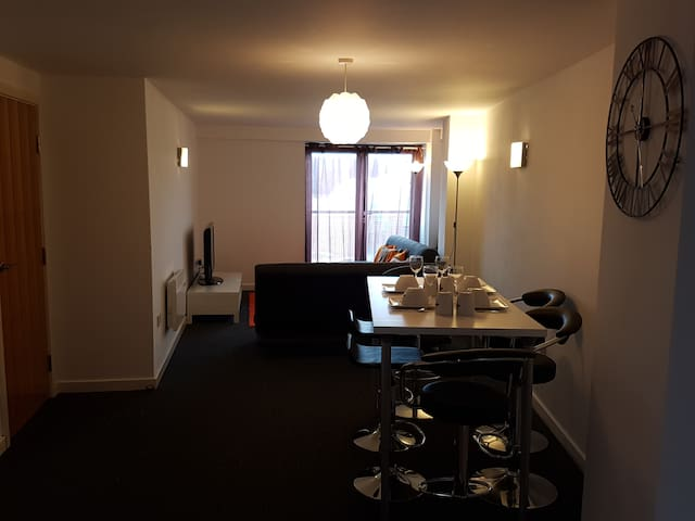 West Street, City Centre Luxurious Apartment - Sheffield - Apartment