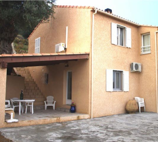 appartement bas de villa - L'Île-Rousse - Condominium