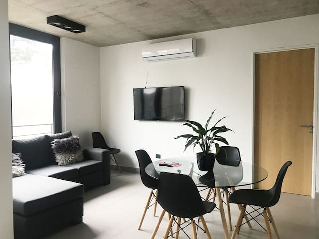 Bright and modern full apartment in Parque Chas