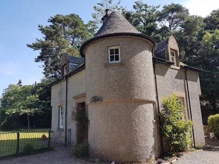 Gorgeous Lodge House, Tir na nOg Holistic Centre