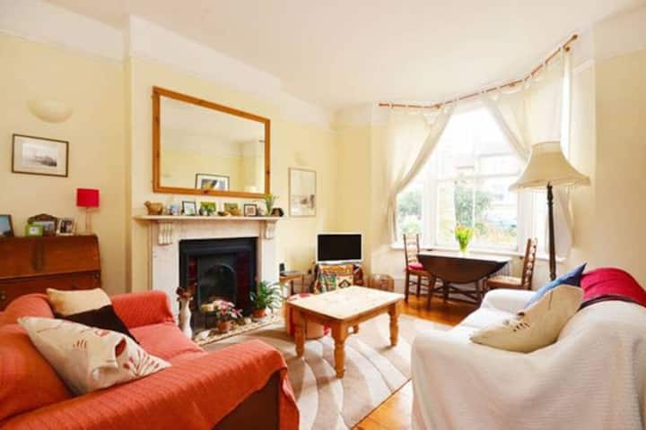 Cosy single room - quiet cul de sac
