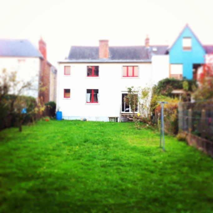 Joli appart maison t3 80m2 appartements louer rennes for Appart maison a louer
