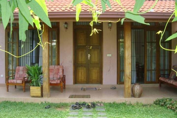 Villa Airport - Wattala  - Bed & Breakfast