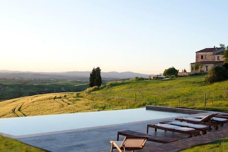 The Lazy Olive -  villa with pool - Asciano - วิลล่า