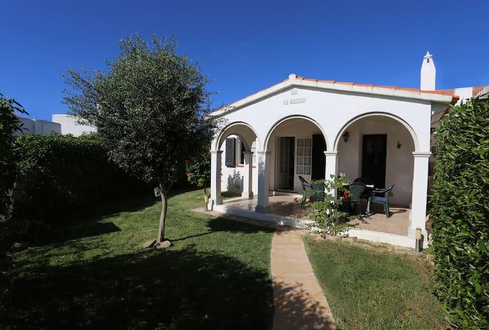Casa con encanto en la playa, jardín y piscina - Ciutadella de Menorca