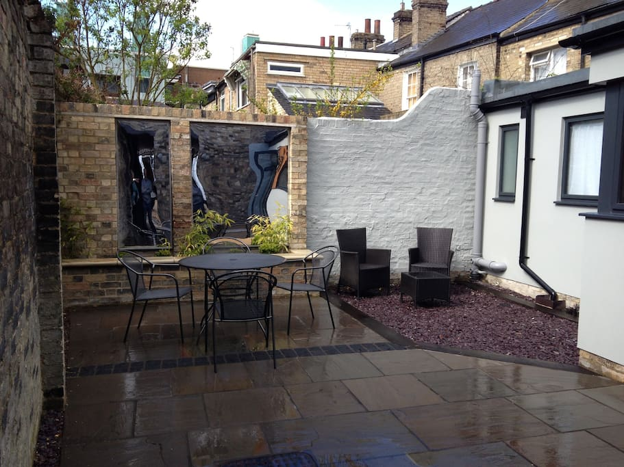 Private courtyard garden with secure bicycle storage space