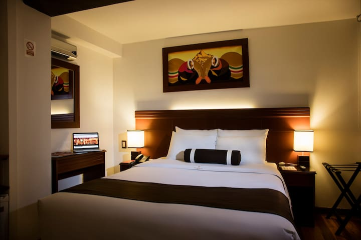 HOTEL FERRE CUSCO. Habitación Matrimonial