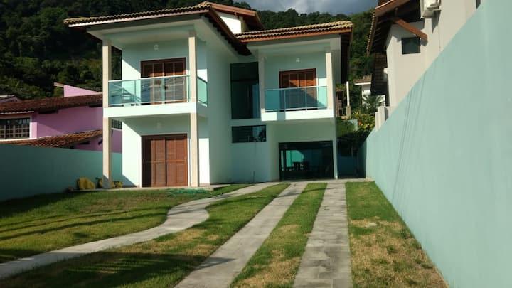 Casa Guaeca-São Sebastião,condômino Cap. Dantibes