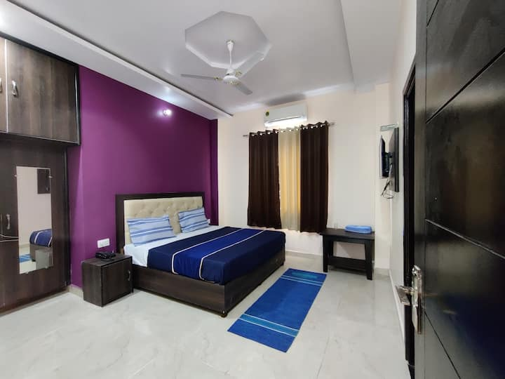 Deluxe Room only @ Ubex Home