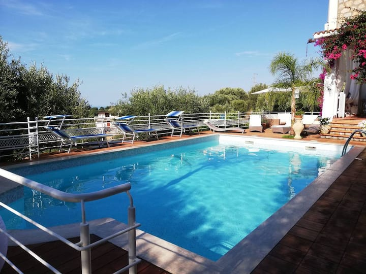 Cilento: Villa with swimming pool