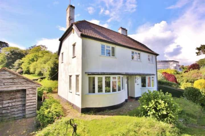 Lovely Cottage in Great Location