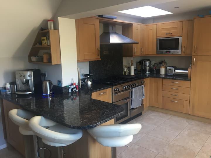 Single Room in Great House in Wokingham