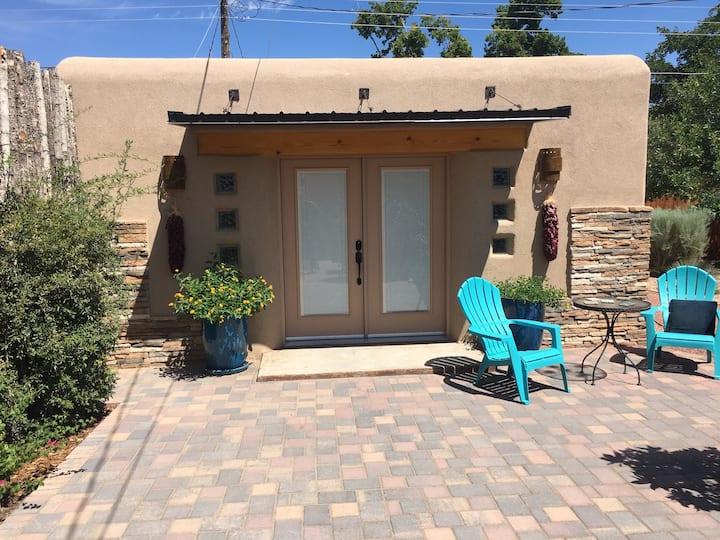 Central Albuquerque Garden Casita