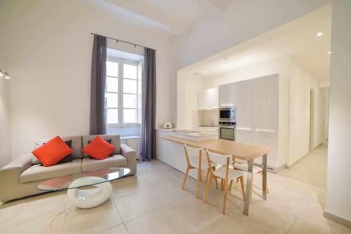 Luxurious two-bedroom aprt in Valletta