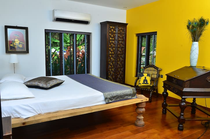 Luxury room in Kerala - Puthenvelikara - Bed & Breakfast