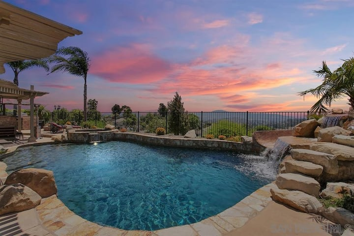 Sunset Lover's Paradise on Private 1/2 Acre Lot!
