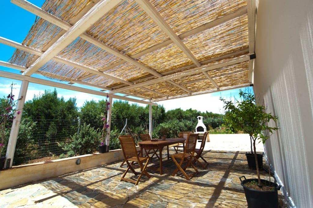 veranda & barbecue