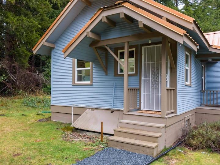 Private Suite by Mount Rainier