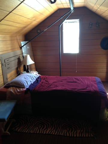 Cute Attic accommodation