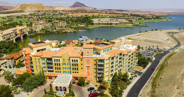 New Listing! 2 Bedroom newly renovated property in Lake Las Vegas