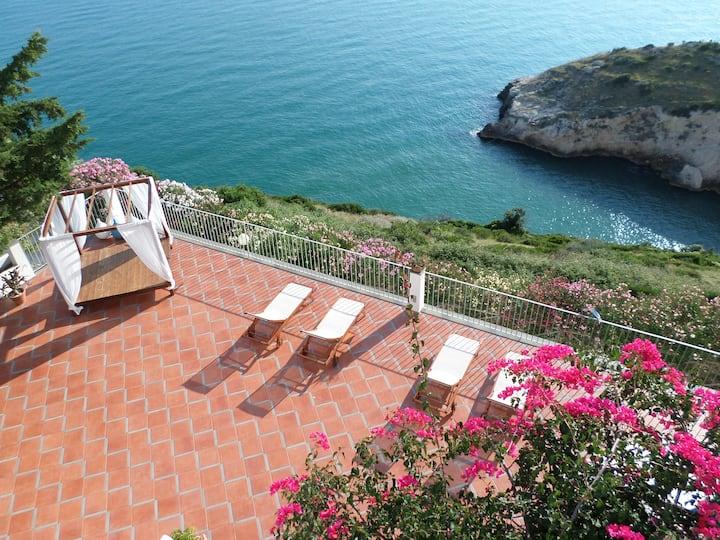 B&B Baia Scirocco con terrazza vista mare