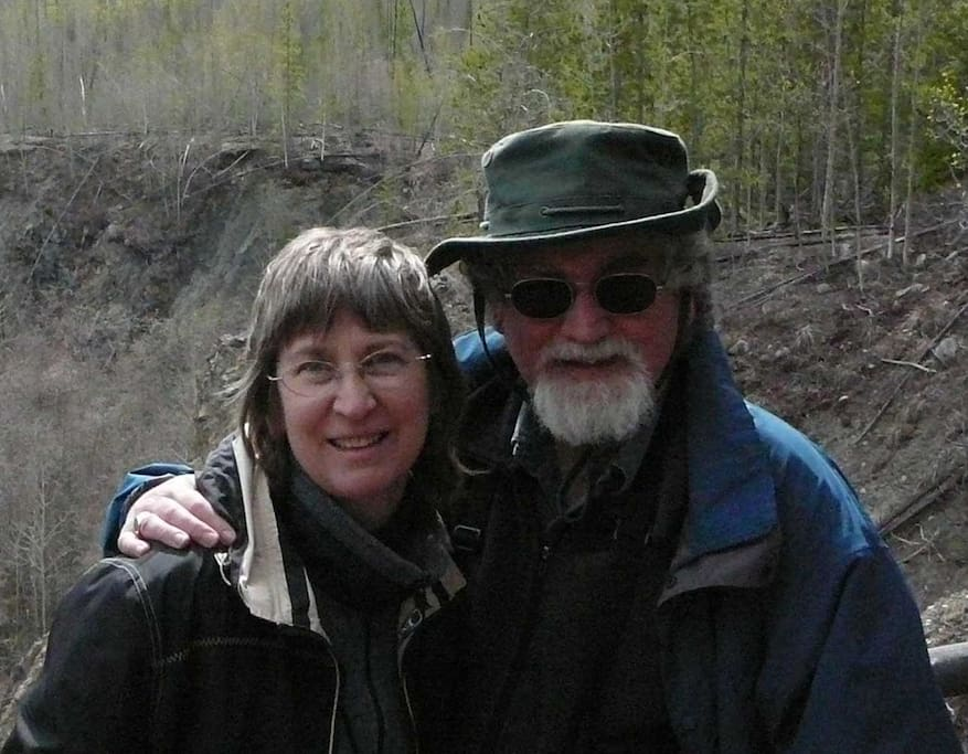 Al and Linda like to hike.