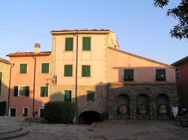 TYPICAL HOUSE IN A LIGURIA VILLAGE - Montemarcello - House