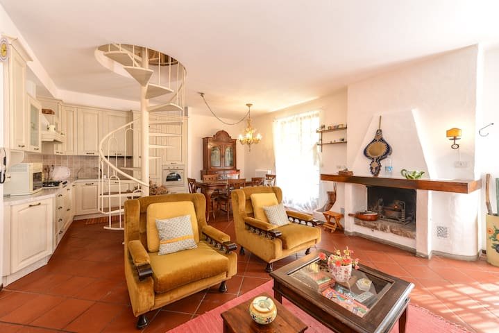 Two floors of charm in the trees. - Trescore Balneario - Apartment