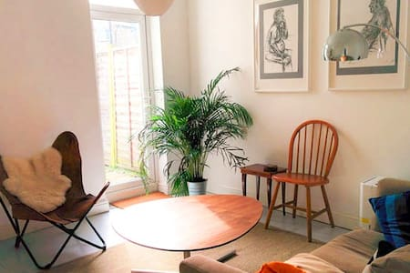 Large Bright Room in Beautiful Architect's Home - Londres