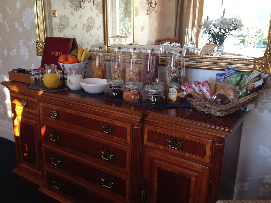 Breakfast - a feast for a king!  Here we have the cereals, fruit juice, yoghurts and speciality teas then to follow the menu offering a full English breakfast or smoked salmon & scrambled eggs.  Must'nt forget to mention the 'Graeanfryn Girls' who provide