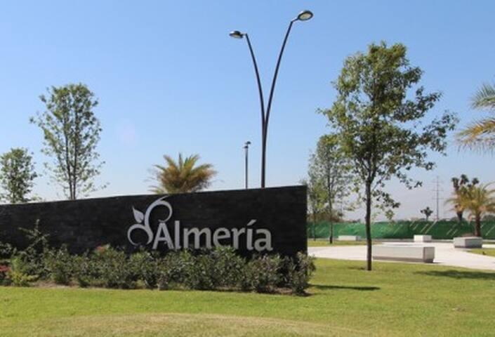 Monterrey Airport Executive - Casa compartida