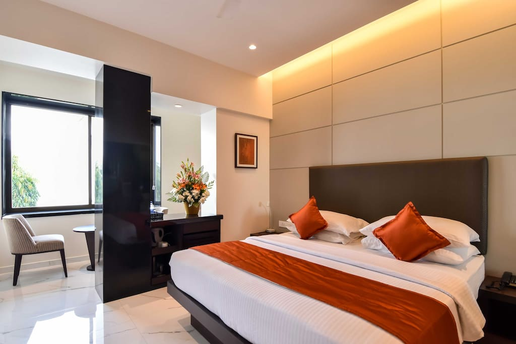 Apollo room sea facing boutique hotels for rent in for Best boutique hotels in mumbai